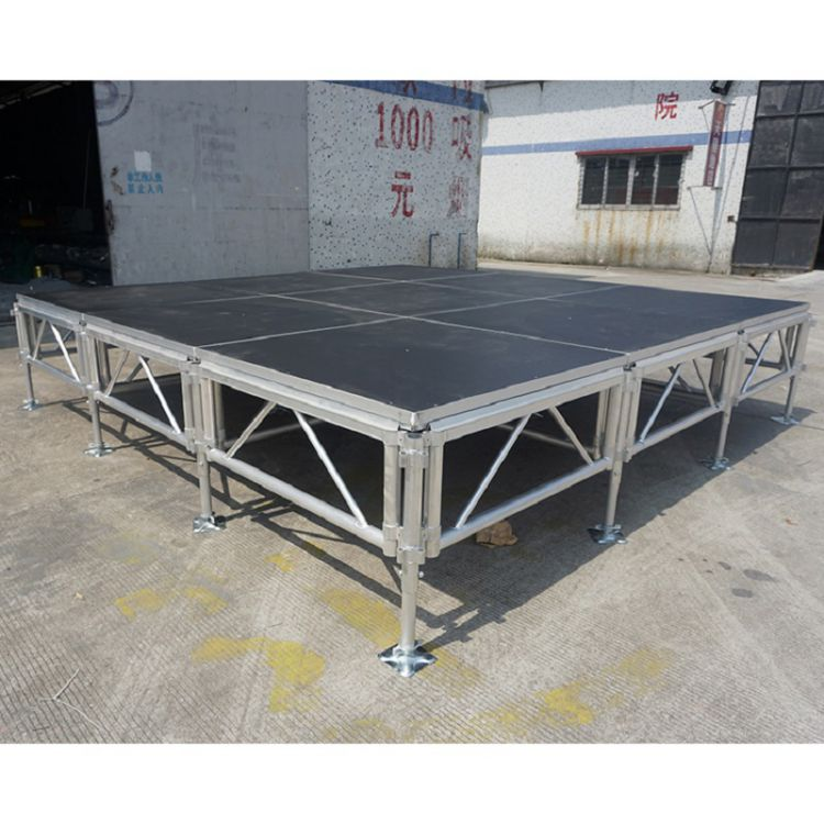 arena plywood red Round Stage